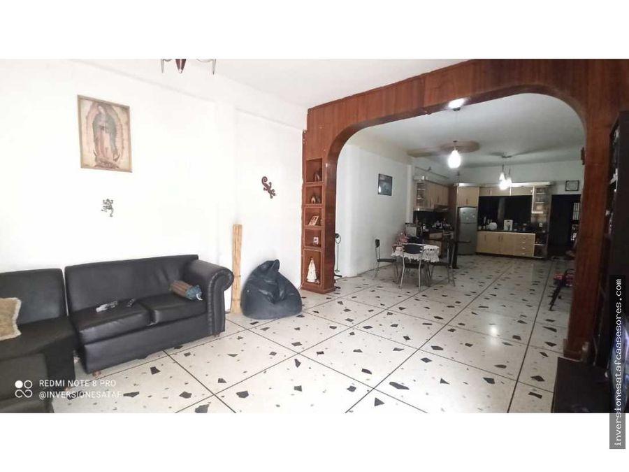 se vende casa quinta 6hab4b7petrza 2do boulevard de guatire