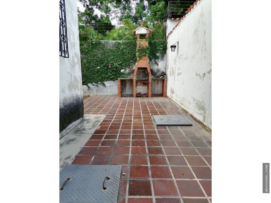 se vende casa ren calle cerrada urb el trigal