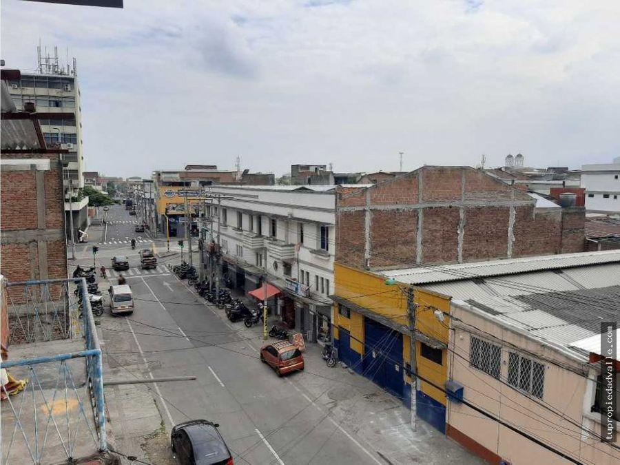 se vende edificio esquinero barrio el piloto genera renta diaria