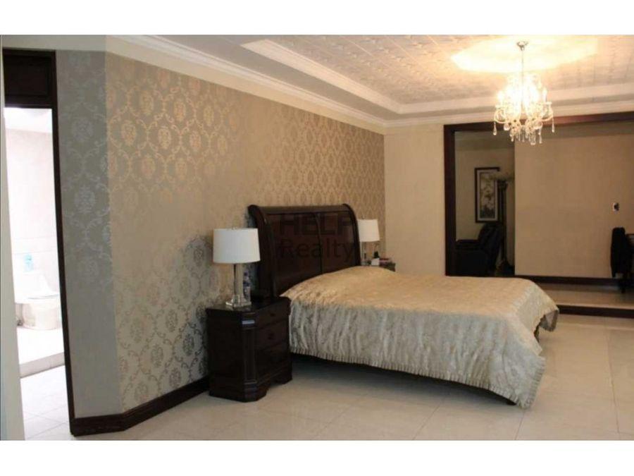 se vende elegante casa en alajuela centro