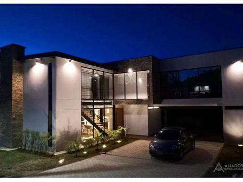 se vende espectacular casa moderna sector altos del escobero
