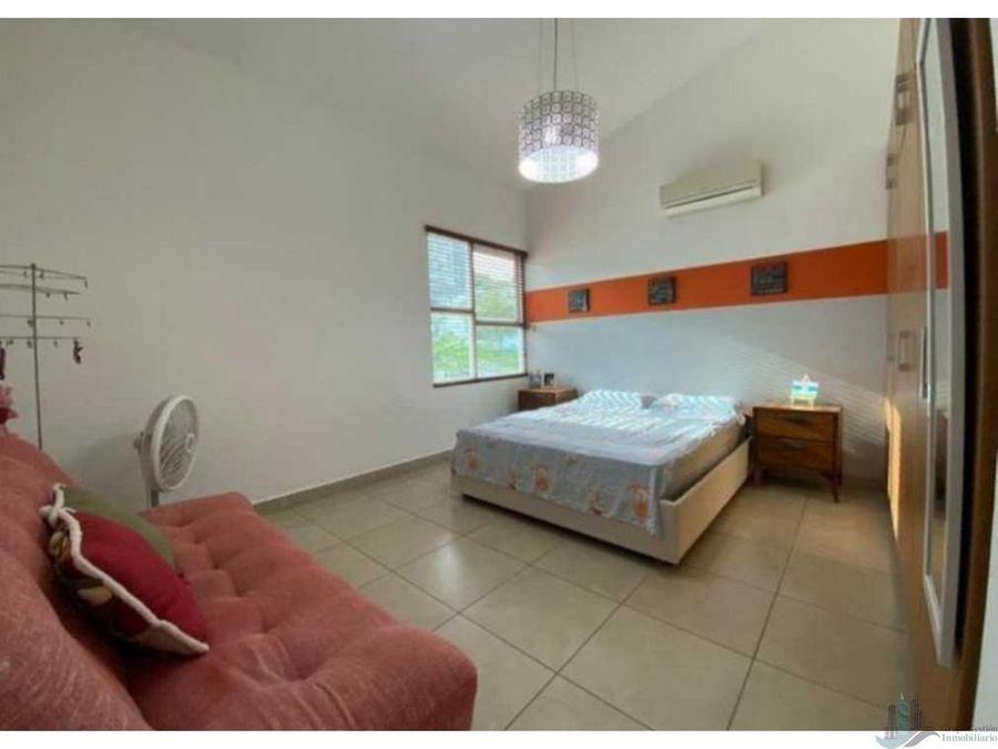 se vende hermosa casa en condado del rey 350 m2