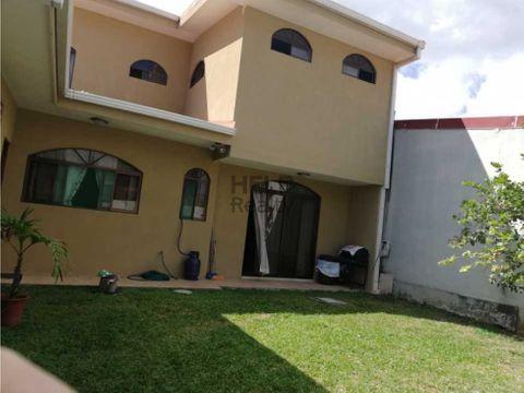 se vende hermosa casa en lomas de ayarco sur
