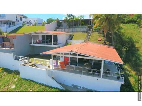se vende hermosa propiedad frente al mar beach house playa corona