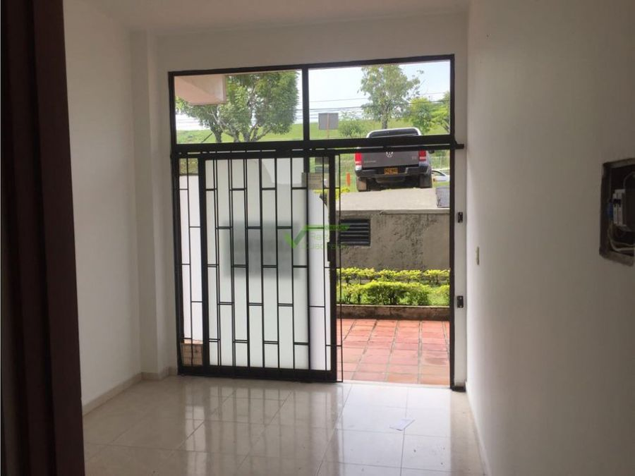 se vende local pereira canaveral