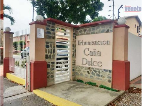 se vende town house cana dulce urb la mora