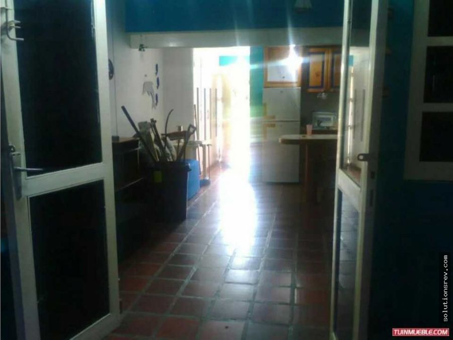 se vende town house en tacarigua