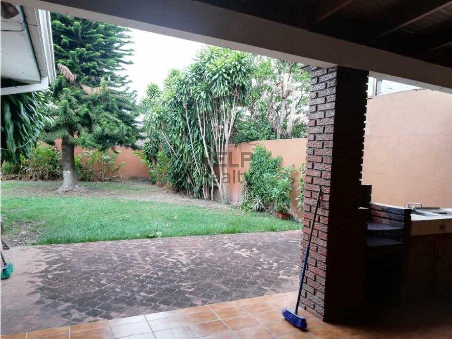 se venden casas uso de suelo comercial en pavas