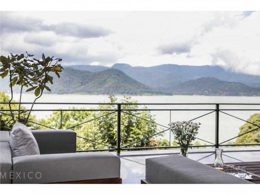 serenidad estilo moderno y vista al lago la pena sur