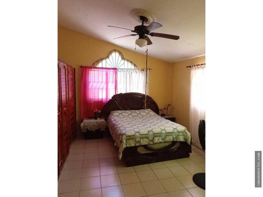 en venta casa de 3 habitaciones