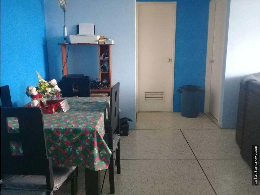 se vende apartamento en los teques av bermudez