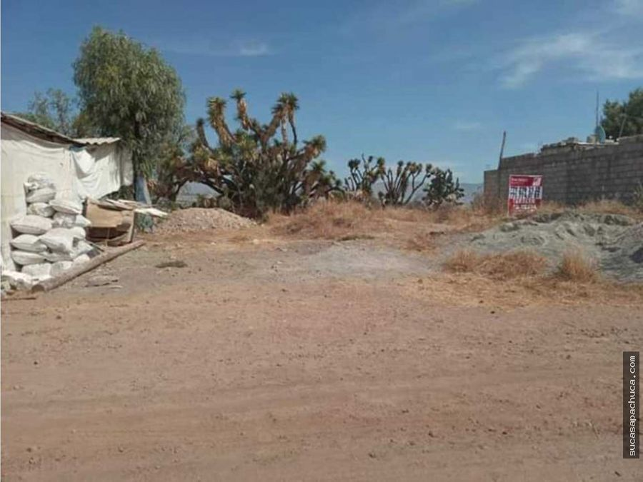 terreno con cimientos cerca de plaza explanada