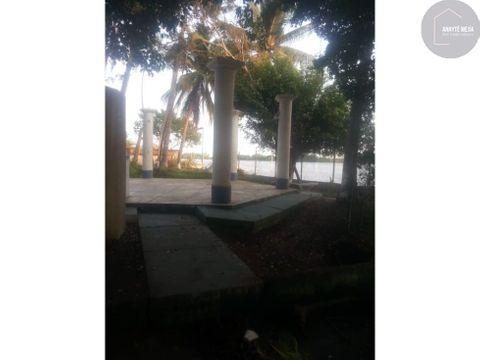 terreno con construccion antigua se vende en puerto de iztapa