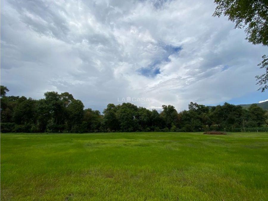 terreno con rio en tiloxtoc