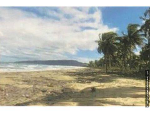 terreno con 2 km de playa y rio en samana