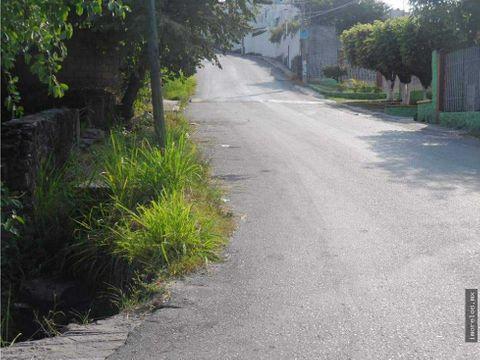 terreno con 3 frentes sobre avenida villa santiago jiutepec