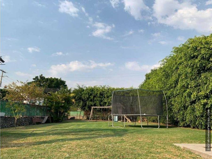 terreno empastado de 500 m2 en lomas de cocoyoc