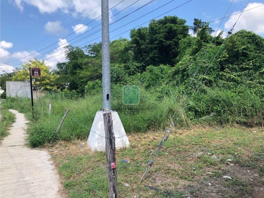 terreno en esquina en el barrio de bacalar