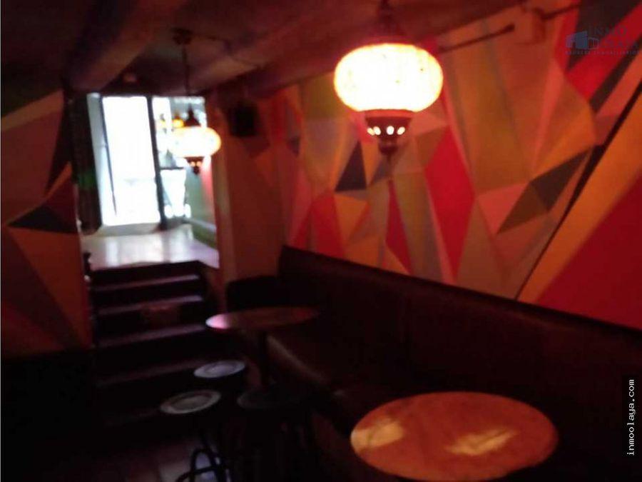traspaso bar c1 piso de 2 habitaciones gotico