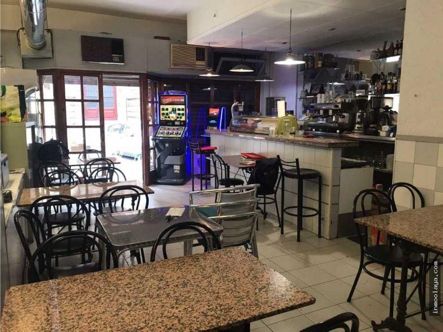 traspaso bar cafeteria c2 con terraza en el arco del triunfo