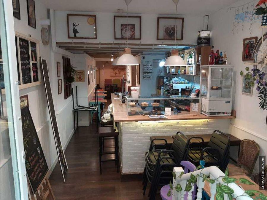 traspaso bar cafeteria c2 con s humos y terraza en el eixample izq