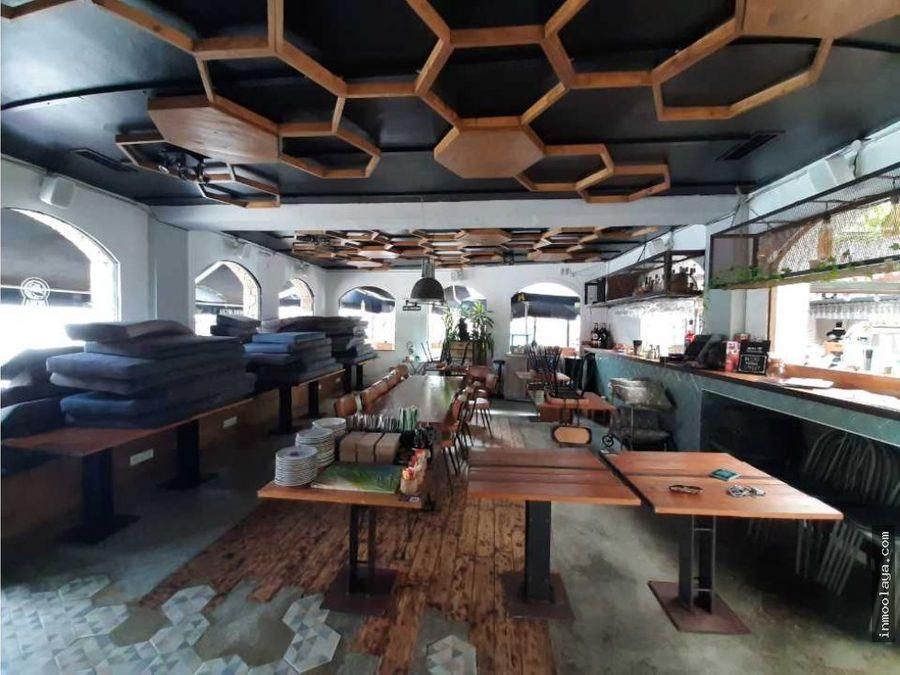 traspaso bar restaurante con terraza en castelldefels playa