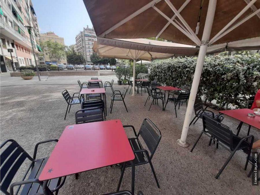 traspaso bar restaurante c3 y terraza en les corts