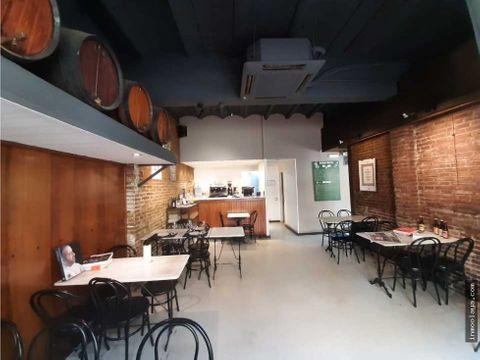 traspaso bar restaurante c3 salida de humos y terraza en lhospitalet