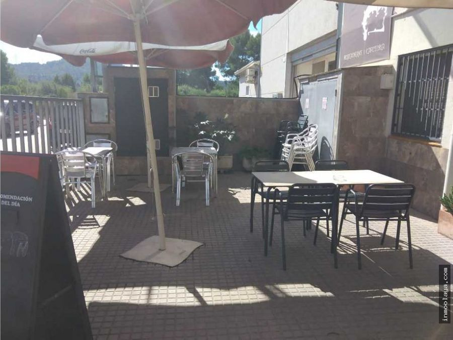 traspaso de bar restaurante con terraza en poligono de rubi