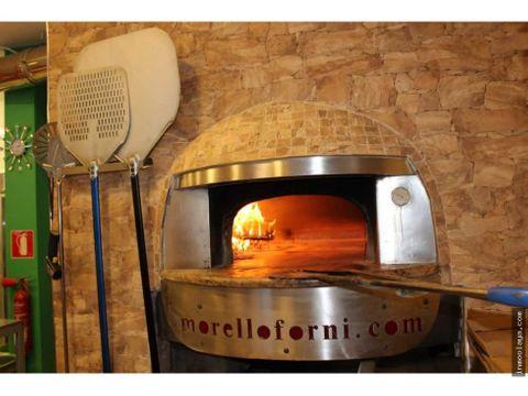 traspaso restaurante pizzeria c3 con horno de lena en lhospitalet