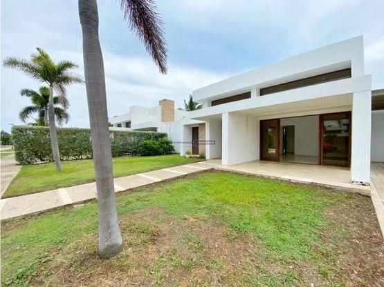 vendemos casa de 600 mts2 en barcelona de indias en cartagena