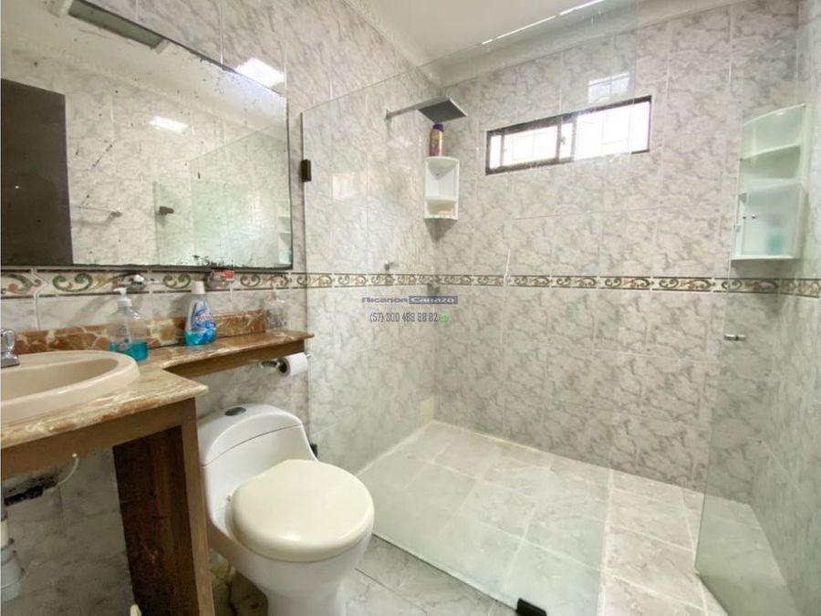 vendemos casa de un nivel en el barrio residencial de crespo cartagena