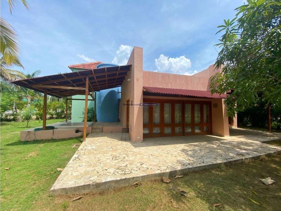 vendemos casa town house en isla baru cartagena