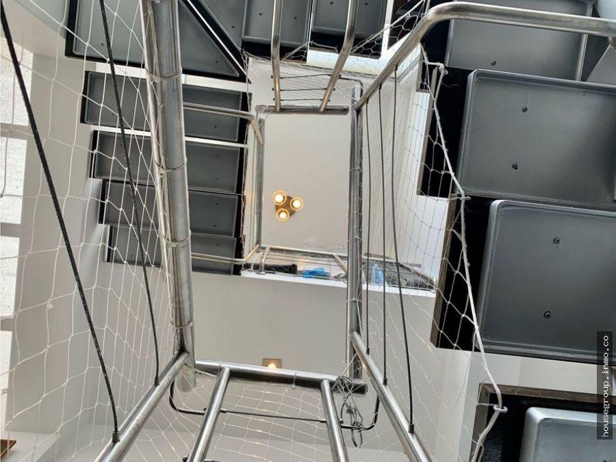vendo moderno triplex en zona exclusiva de lince lincidro
