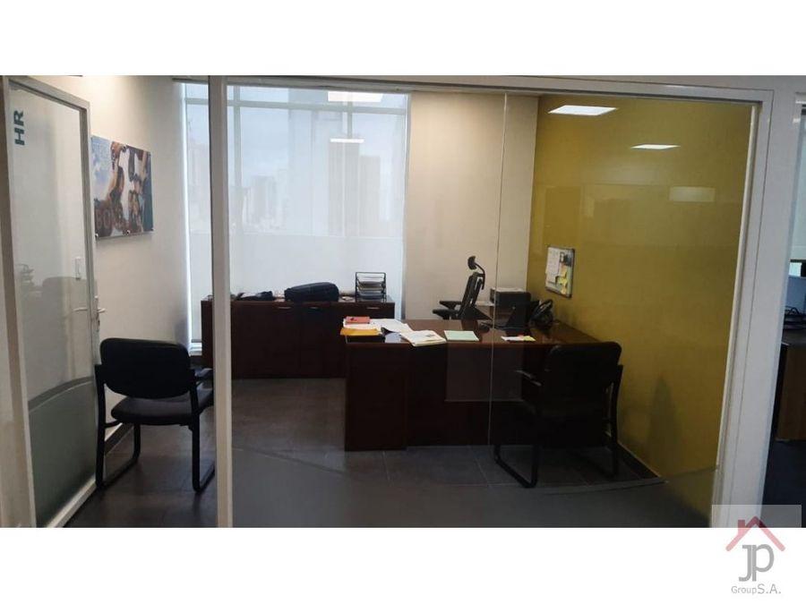 vendo o alquilo oficina en revolution