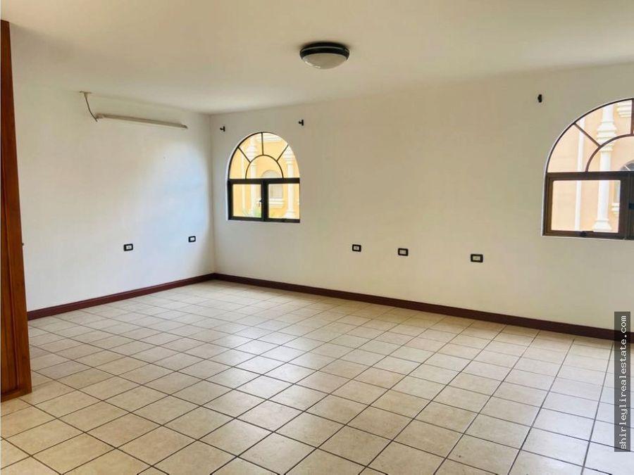 vendo alquilo con opcion de compra casa en condominio santo domingo