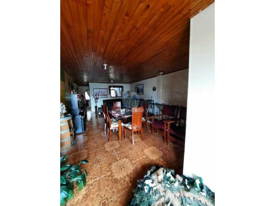 vendo amplia casa de dos niveles independientes
