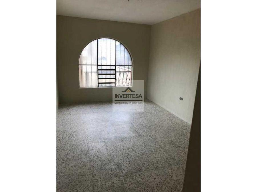 vendo amplia casa de 3 niveles en santiago sacatepequez