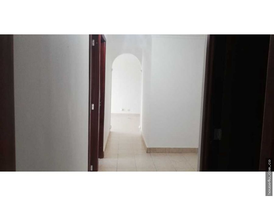vendo amplio y bonito apartamento en miramar barra