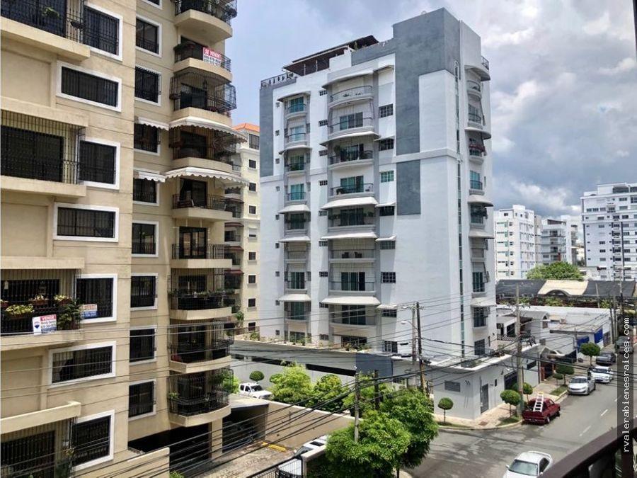 vendo amplio apartamento en el ensanche paraiso