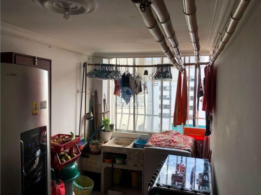 vendo apartamento muy amplio en el centro