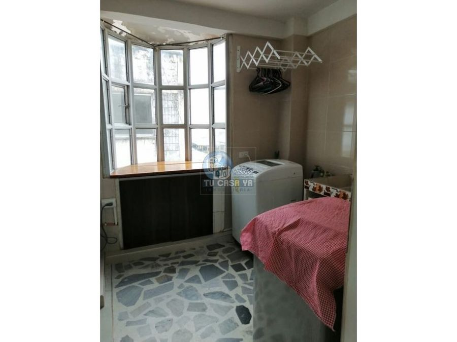 vendo apartamento en el centro con parqueadero en sotano