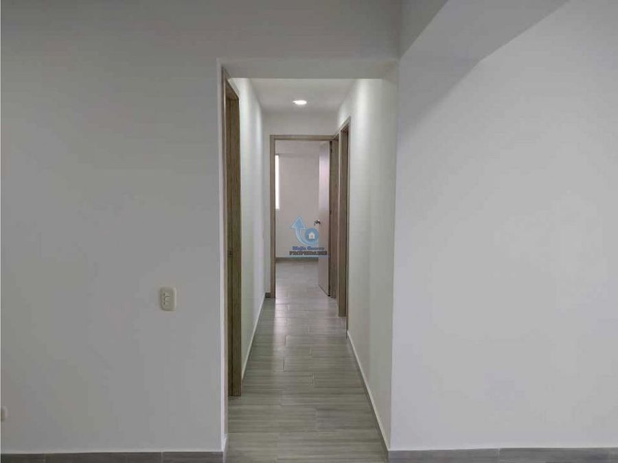 vendo apartamento en ultimo piso para estrenar en rodeo alto