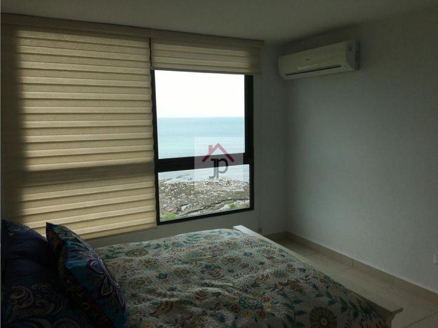 vendo apartamento frente al mar