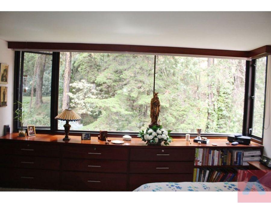 vendo apto en el refugio 225 m2 3 alcobas vista ciudad y bosque