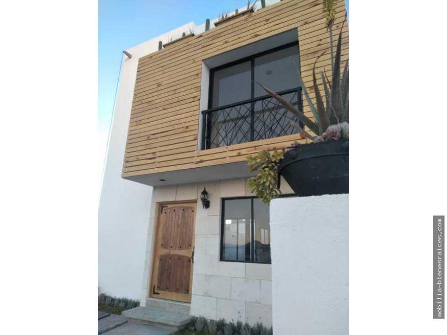 vendo casa con alberca y roof garden en zibata 3450000