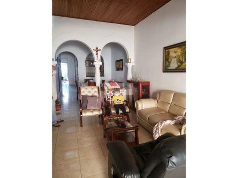 vendo casa con apartastudio de un piso guayaquil cq