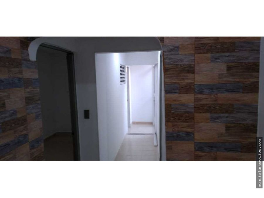 vendo casa con dos apartamentos santa marta 001