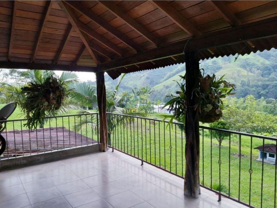 vendo casa campestre rodeada de mucha naturaleza
