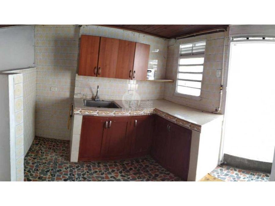 vendo casa central con apartamento independiente